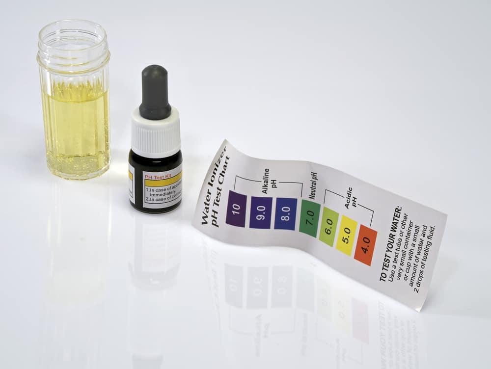 Acid acidic water test with ph reagent