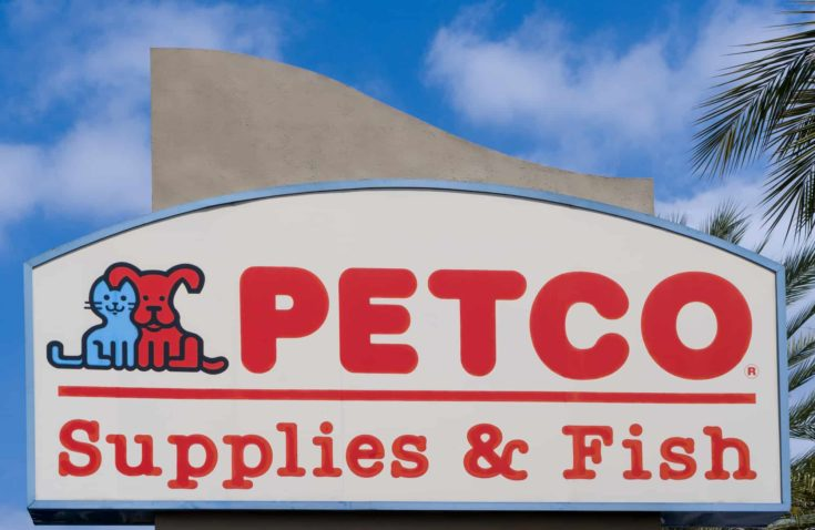 PASADENA, CA/USA - SEPTEMBER 5, 2016: Petco retail store sign and logo. Petco Animal Supplies is a privately held pet retailer in the United States.
