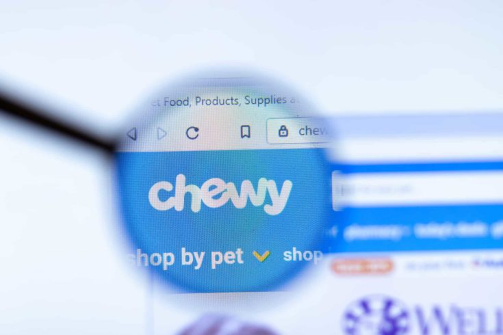 Moscow, Russia - 1 June 2020: Chewy Inc website page in browser. Logo close-up, Illustrative Editorial.
